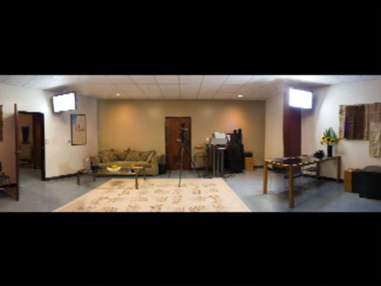 - Film / TV / Commercials5 large casting studiosFull HD (1080p) cameraT-2 wireless networkVideo conferencingConference roomOn-site client parking