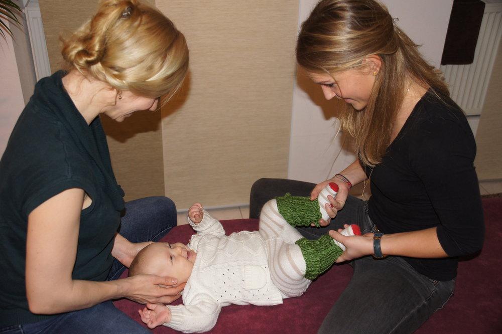 Und so ein glückliches Baby kann dann nach erfolgreicher Behandlung zur Welt kommen :-)