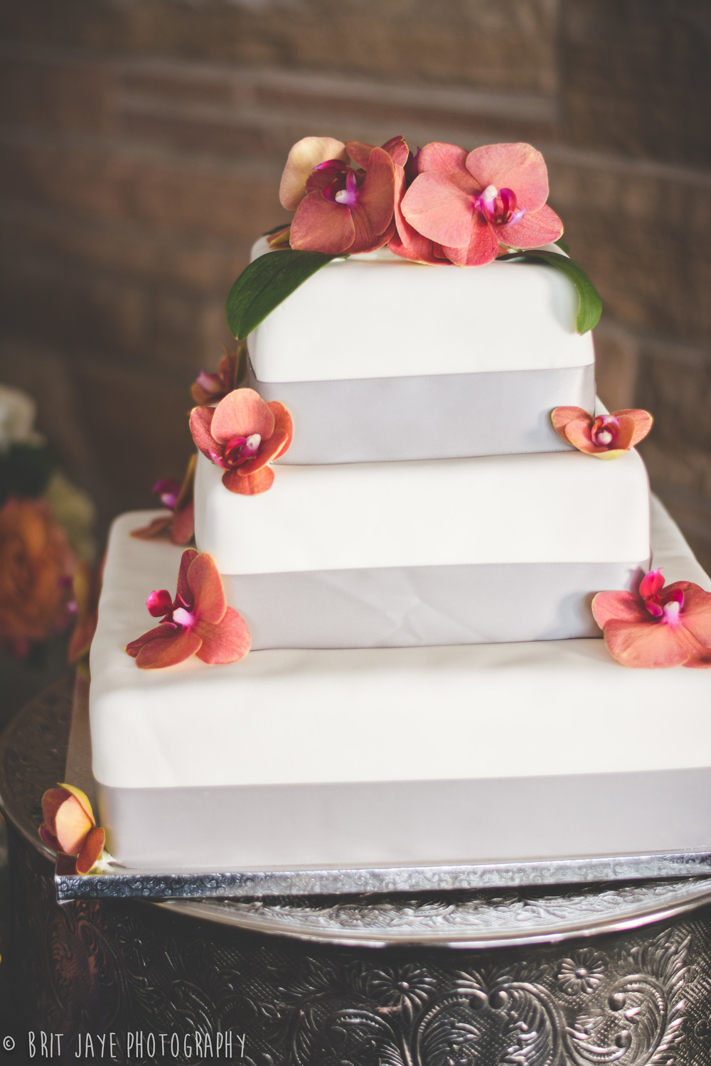 SimpleModernWeddingCakeOrchids