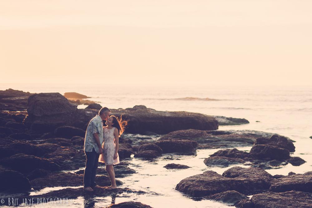 SunsetCliffsEngagementPhoto