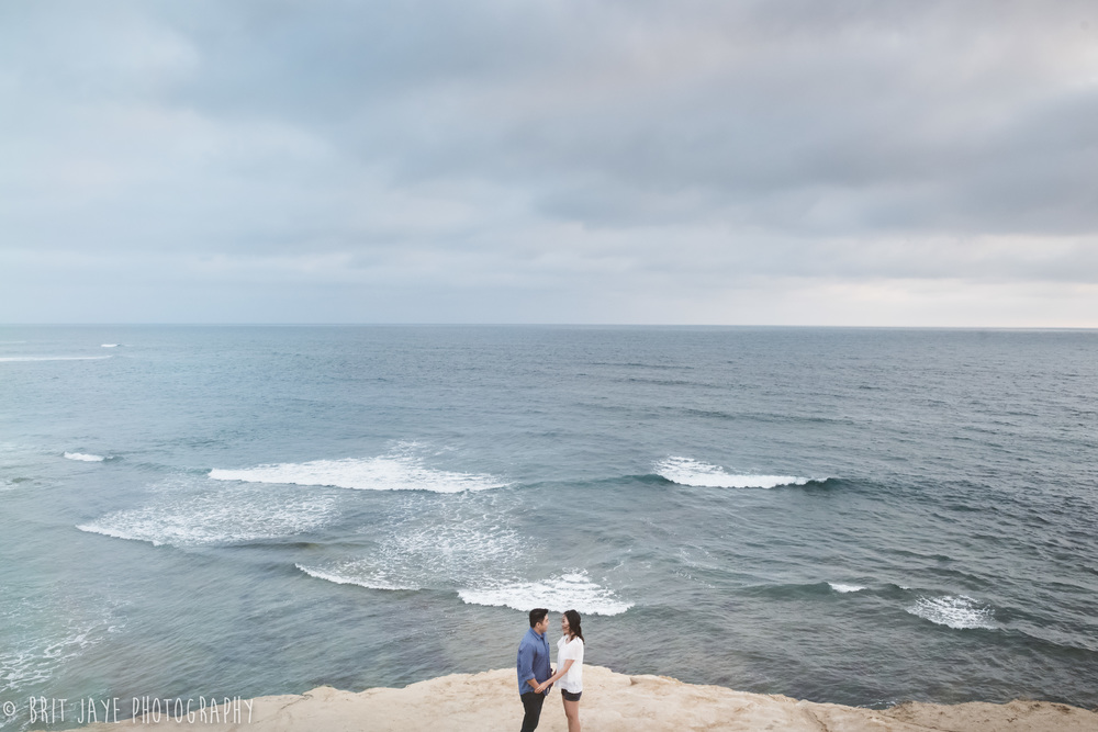 Romantic_engagement_Photography_sunset_cliffs