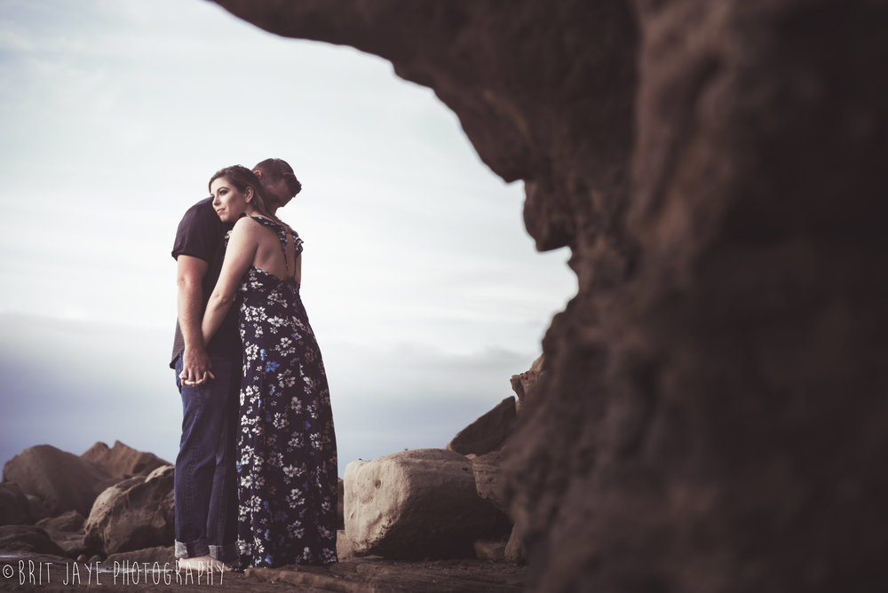 Sunset_Cliffs_Engagement_SEssion-2-2.jpg