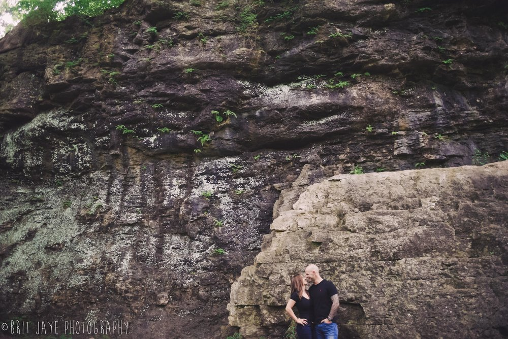Clifton_Gorge_engagement_photos_yellow_springs-40.jpg