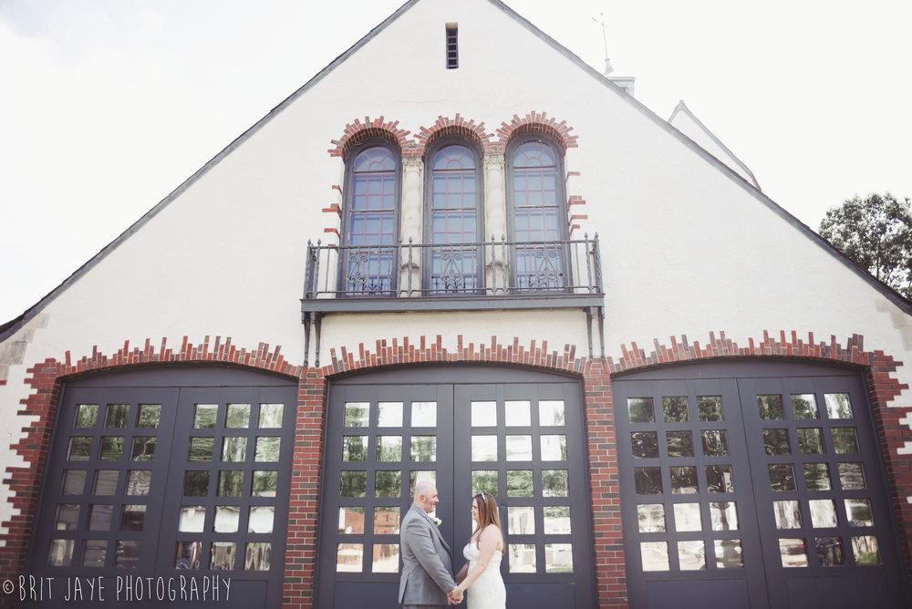 Oakwood_Court_Wedding_Elopement-15.jpg