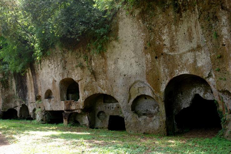 sutri-necropoli-etrusca.jpg