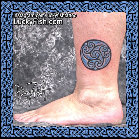 39 water of life 39 celtic tattoo luckyfish inc and tattoo santa barbara. Black Bedroom Furniture Sets. Home Design Ideas
