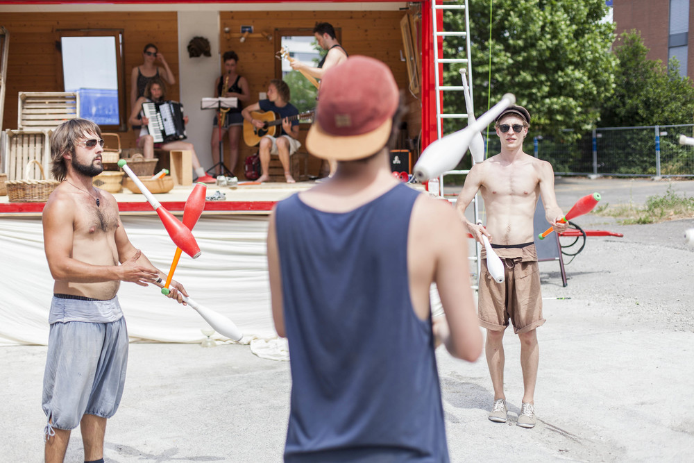 compagnie-trottvoir-produktion-2014-zirkus-luzern_31.jpg