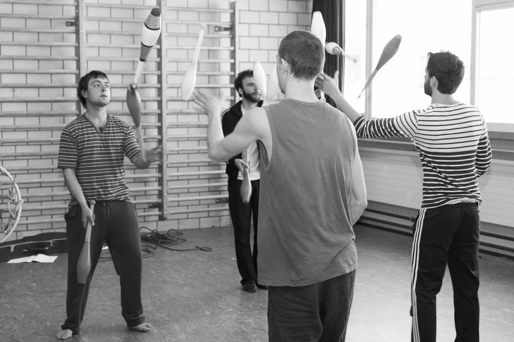 compagnie-trottvoir-produktion-2014-zirkus-luzern_05.jpg