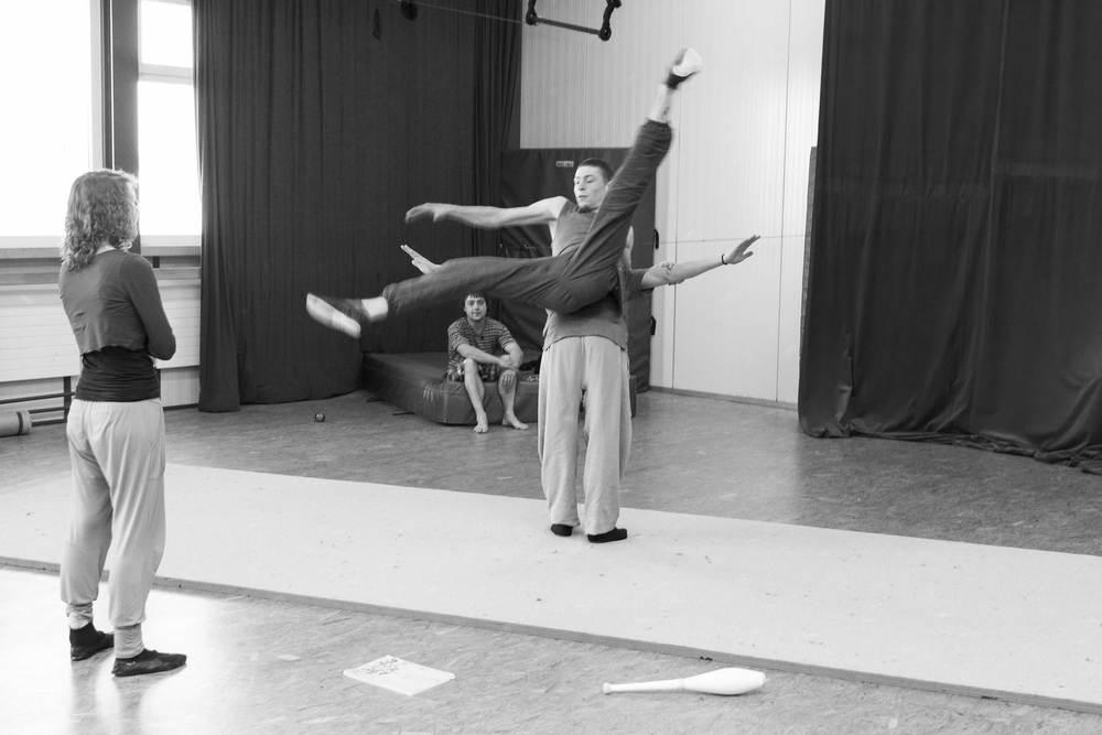 compagnie-trottvoir-produktion-2014-zirkus-luzern_06.jpg