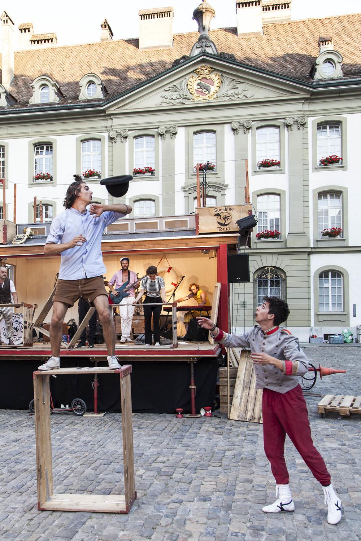 compagnie-trottvoir-2015-sofort-savoire-vivre_show_12.jpg