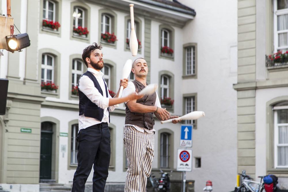 compagnie-trottvoir-2015-sofort-savoire-vivre_show_20.jpg