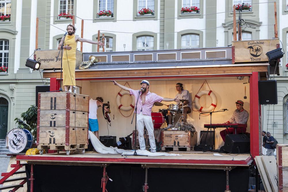 compagnie-trottvoir-2015-sofort-savoire-vivre_show_01.jpg