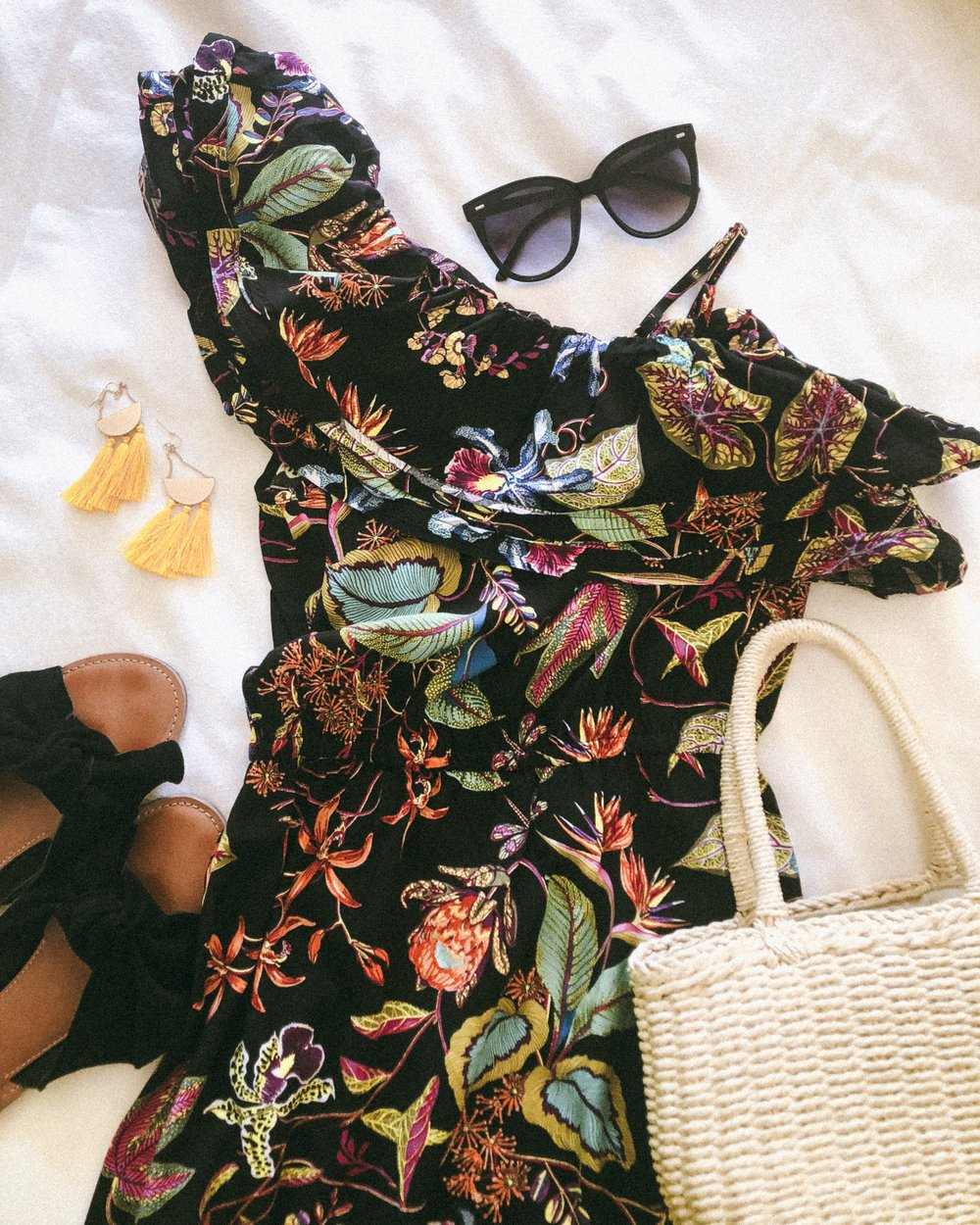 flat lay, palm springs, floral, what to pack