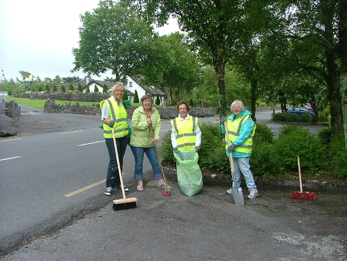 Ennis Tidy Towns Supporting Clean-Up.JPG