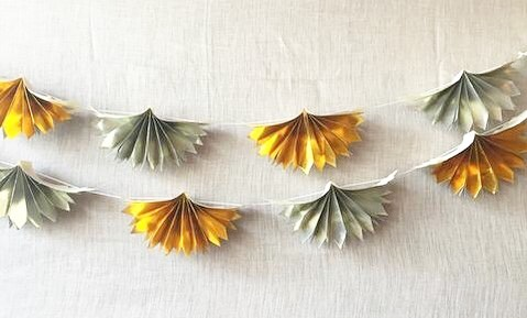 S H I N Y // Add just a little dazzel to any gathering than with this handmade metallic paper garland.  On sale now in the Shop - Link in Bio ☀️ . . . #sunnydaymercantile #sunnydayonsale #sale #closingsale #shopsunnyday #givegreatgifts #eat #shoplocal #handmade #garland #metallic #giftshop #shopstpete