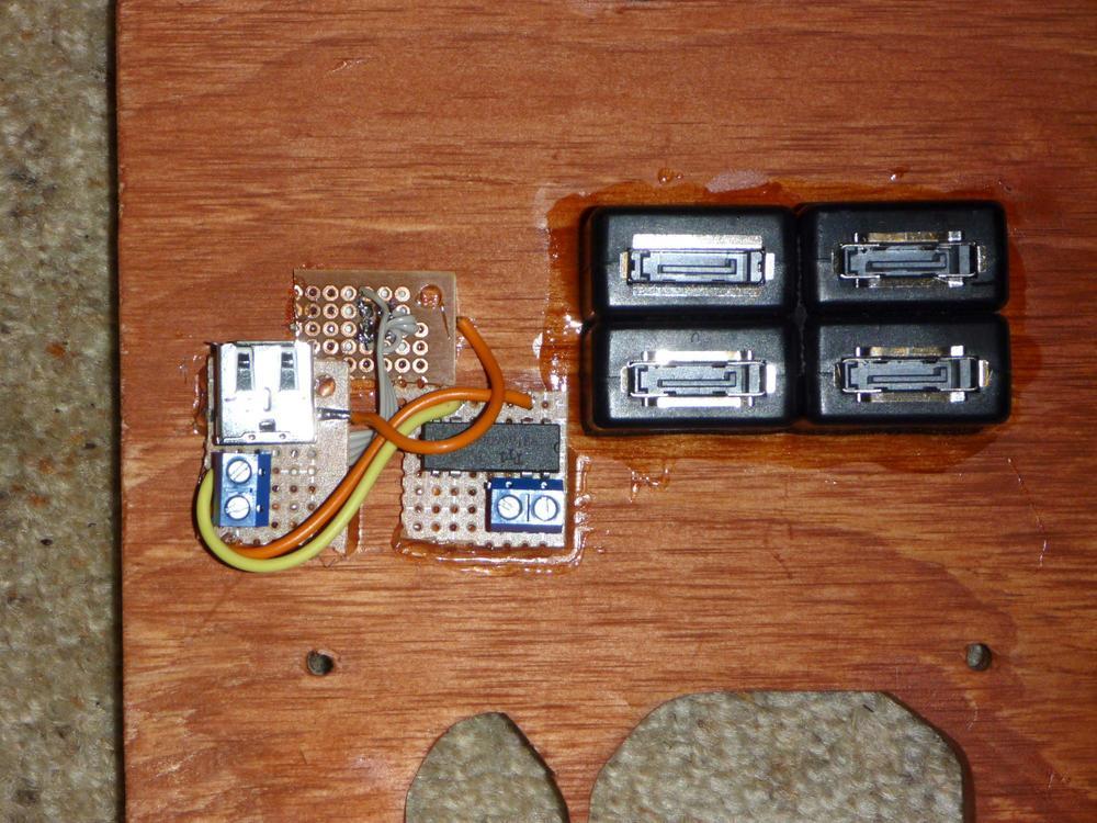 21-rear_inside_electronics.jpg