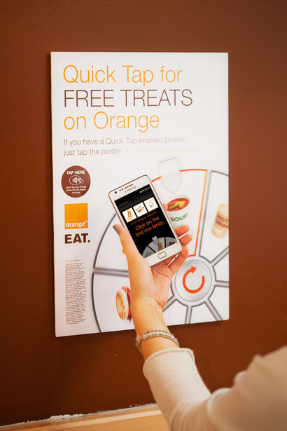 orange-partners-eat-nfc-quick-tap-treats-3.jpg