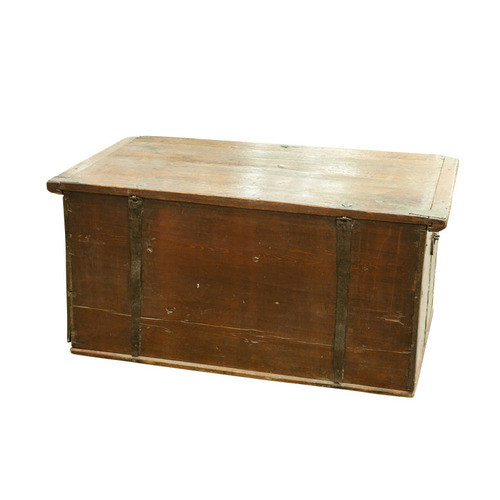 Determining the date of old furniture pieces can be tricky.
