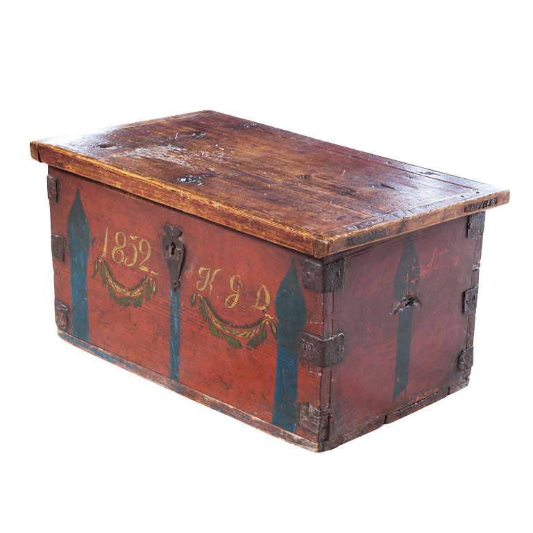 Finnish Painted Chest With Garlands