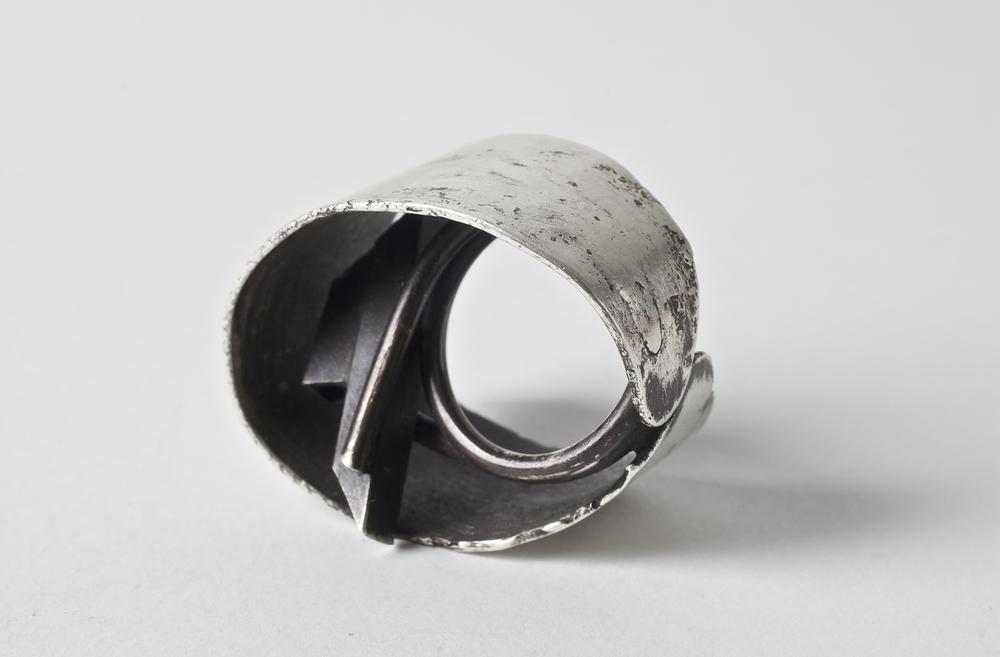Dina Gonzalez Mascaro's hidden builidng ring