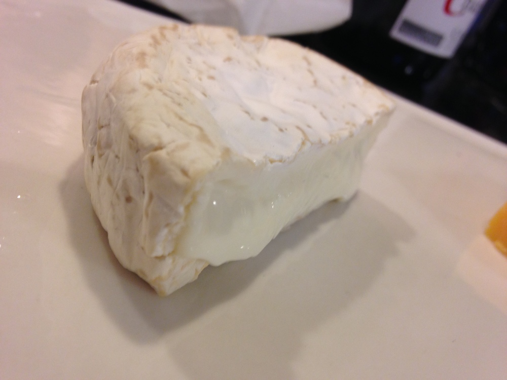 Nonna Capra pillowy pure camembert-style unhhh