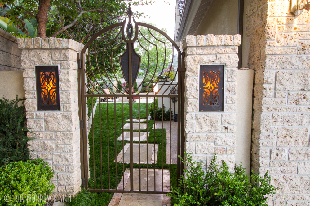 custom-metal-gate-with-lights-dana-point.jpg