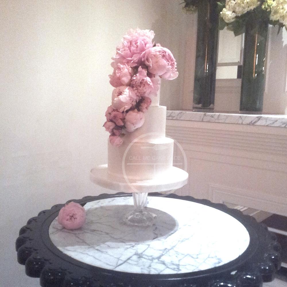 Classic Lustre Wedding Cake