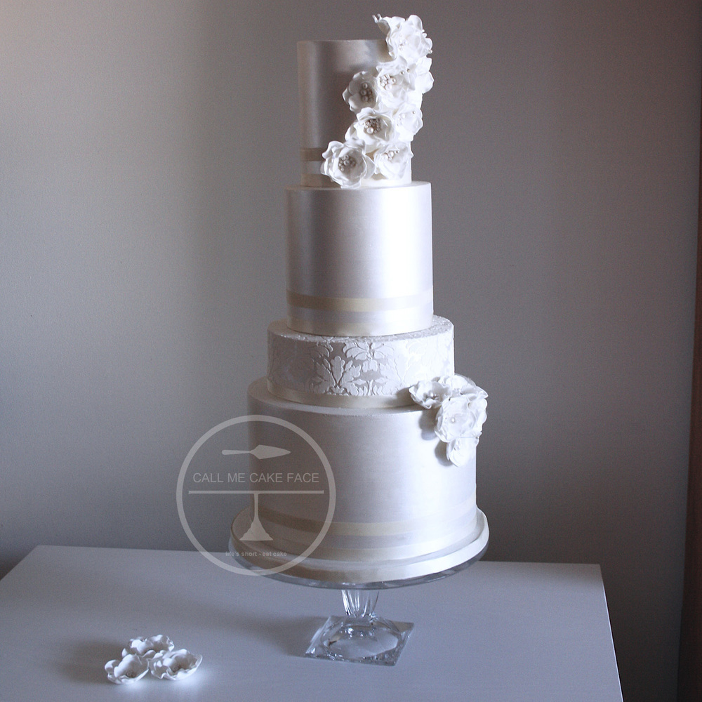 Contemporary Pearl Wedding Cake