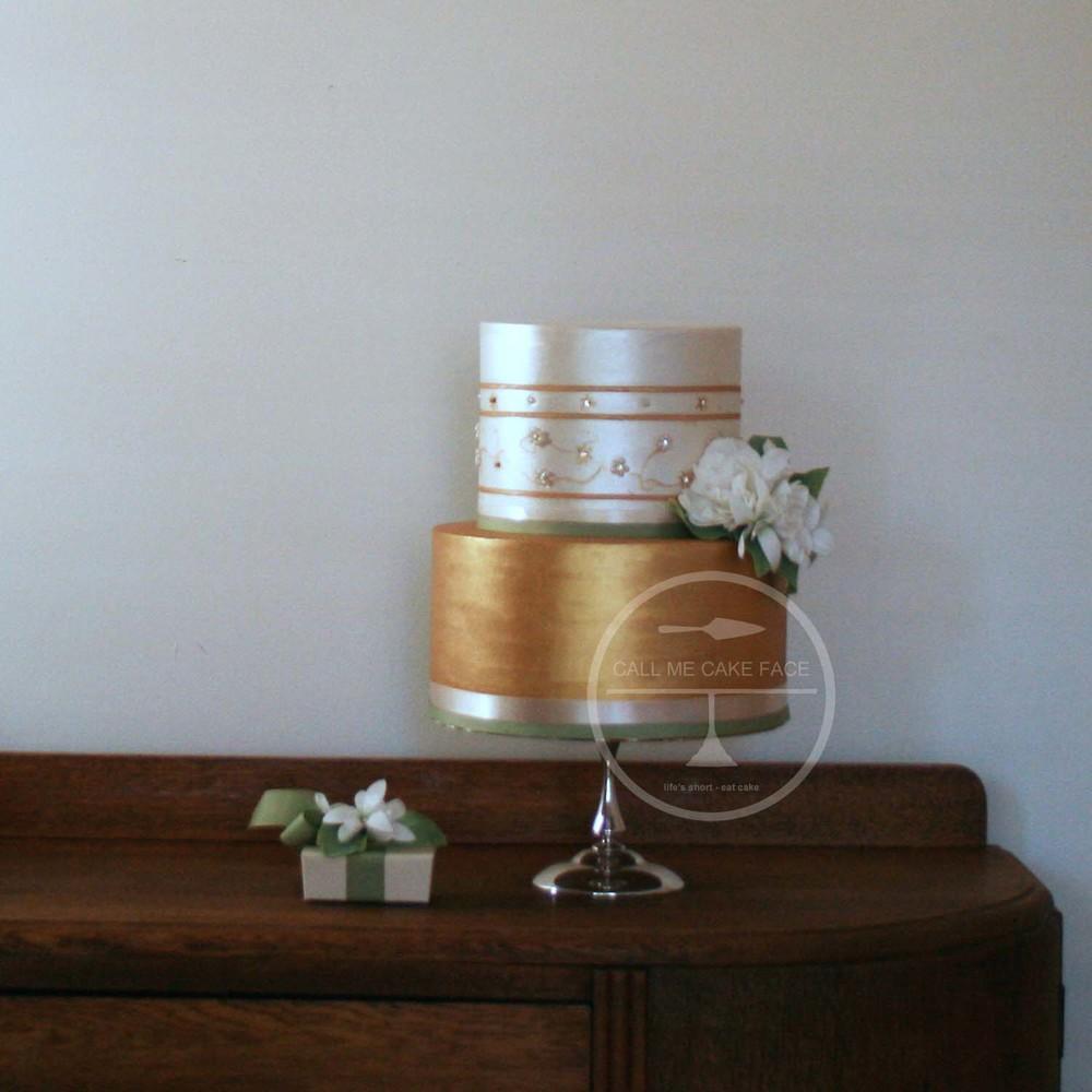 Gold Gardenia Weding Cake
