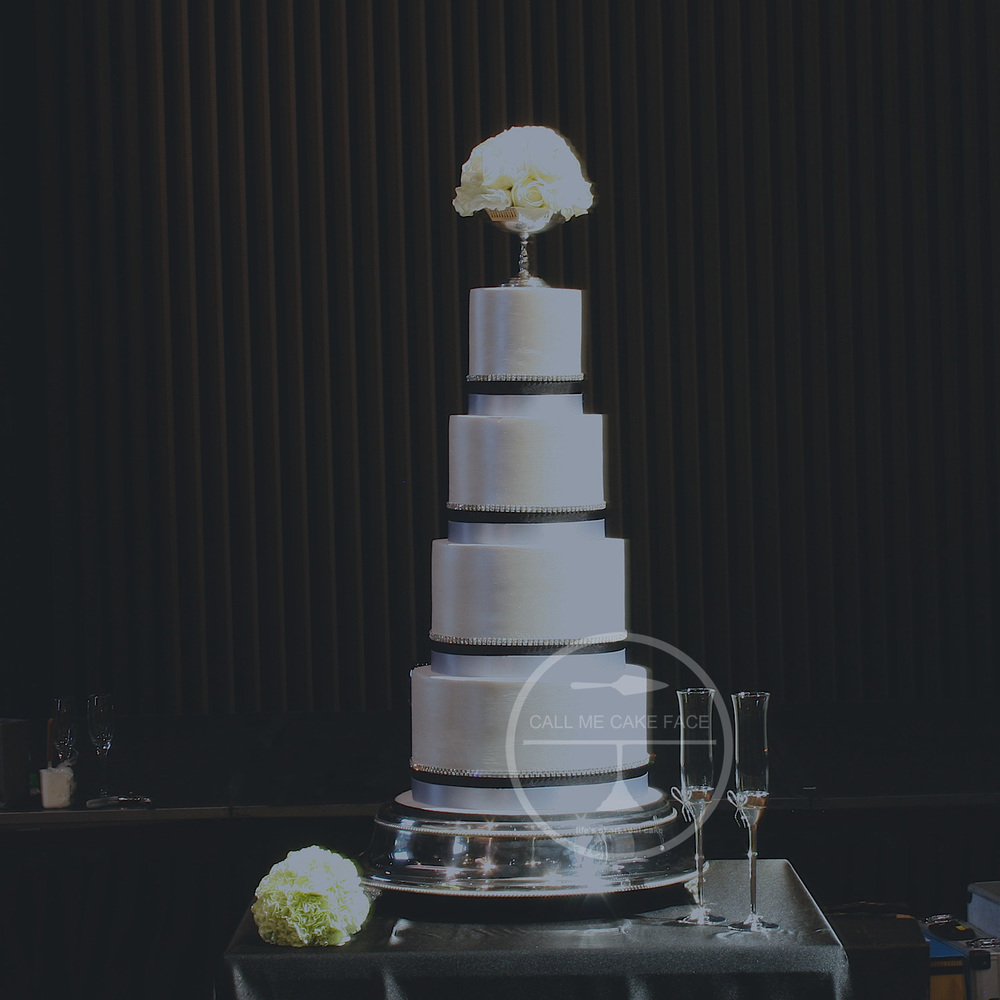 Pearl and Black Wedding Cake