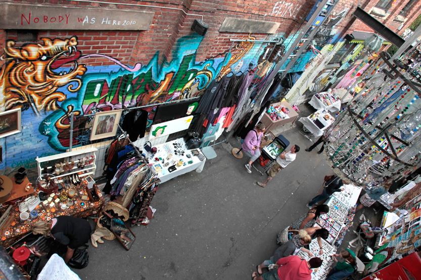 (Artist) Sunday Market d'Ingens Gate