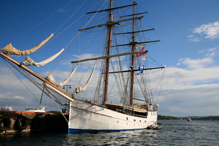 Quai des bateaux historiques à Radhusbrygge