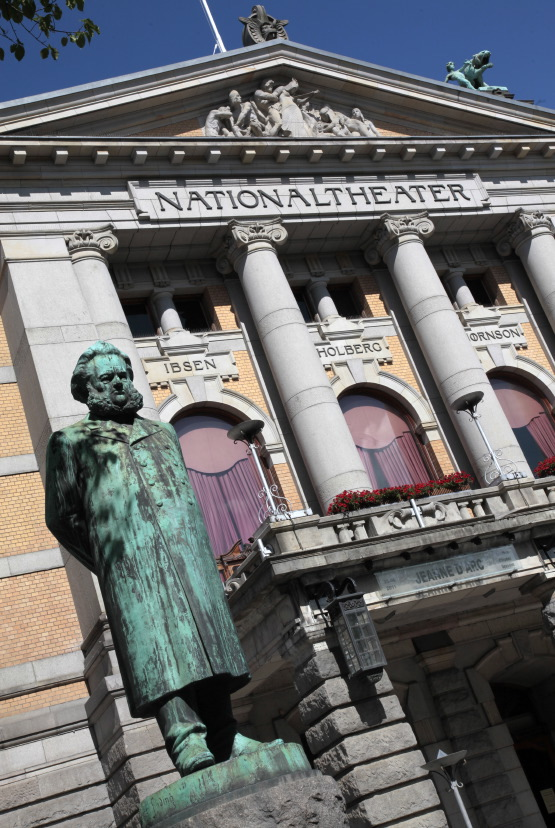 National Theatre (entre le Royal Palace & Storting)