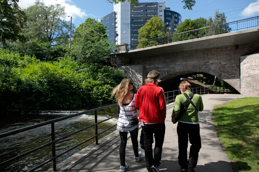 Promenade le long de la rivière Akerselva à Grünerløkka