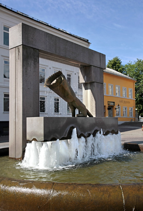 Hansken Sculpture & Theater Museum, Christiania Torv Square