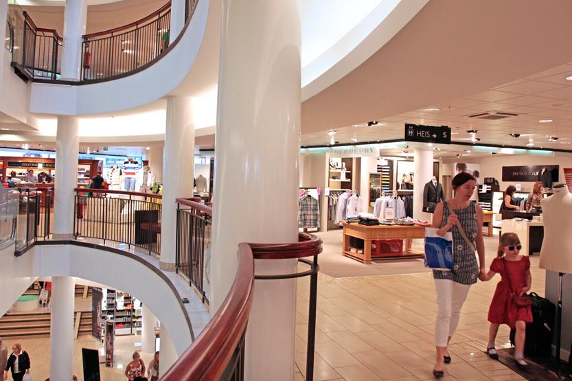 Centre commercial Steen & Strom, Neststranda 9