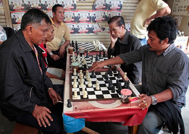 Joueurs d'échec à Makassar