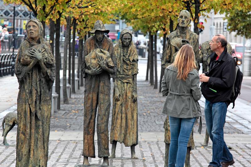 The Famine Memorial sculptures (1997), Custom House Quays