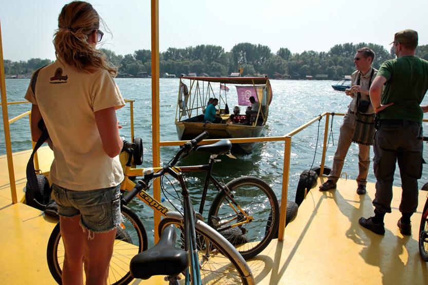 Bac sur le Danube pour atteindre Belgrade la Neuve !