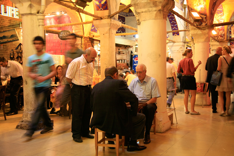 Joueurs de backgammon au Grand Bazaar