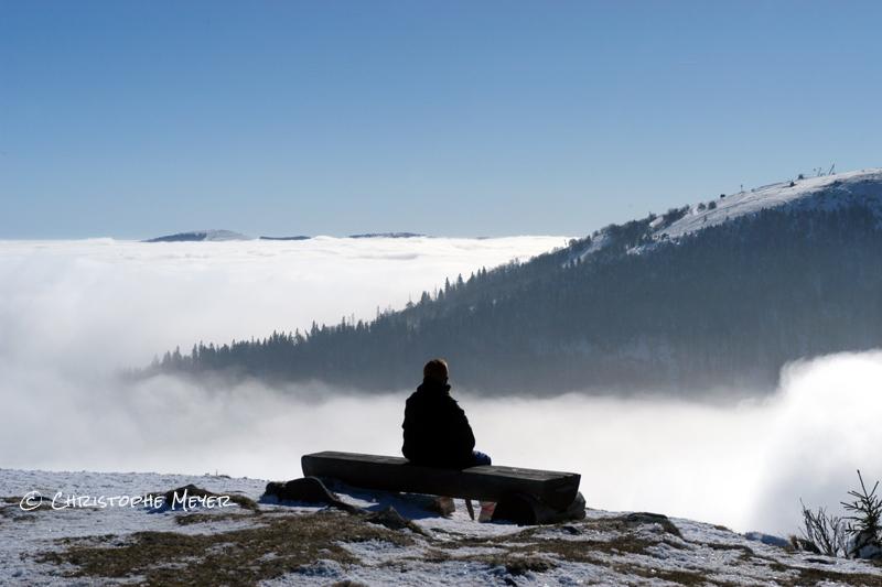 Méditation devant les Vosges alsaciennes enneigées