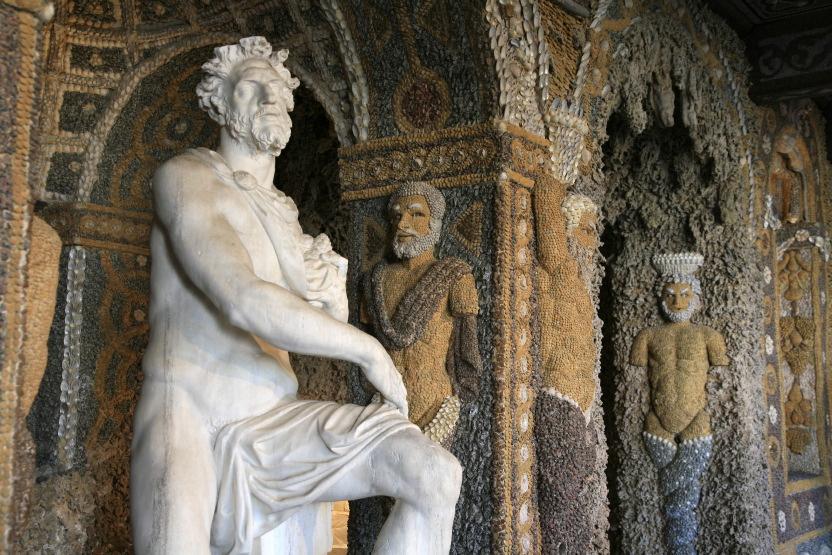 Neptune dans 'La Salle des Rocailles' (Grotte)