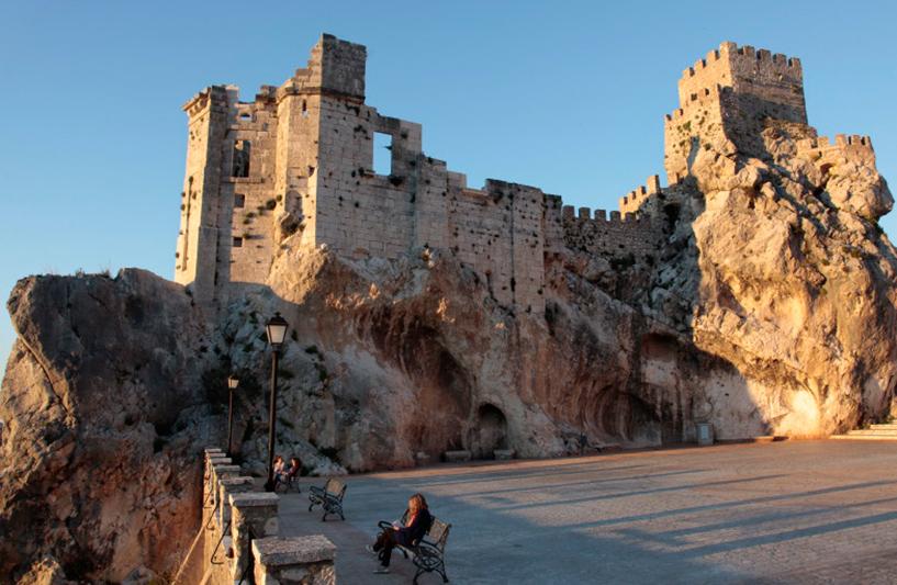 Le vieux château tout en haut de Zuheros