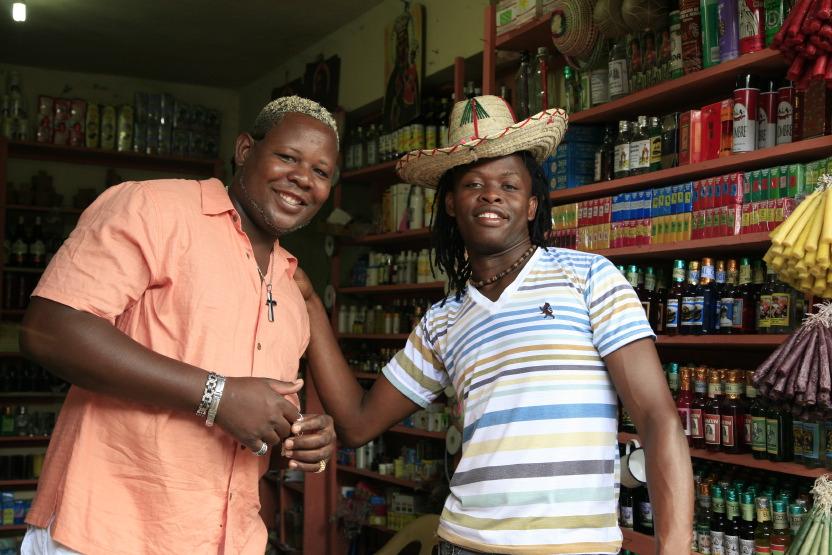 Echoppe haïtienne de remèdes vaudous au marché de Higüey