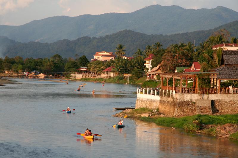 Fleuve Nam Song à Vang Vieng