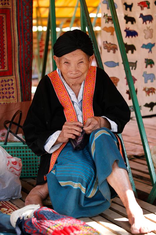 Sur le marché de Luang Prabang © JJ Serol