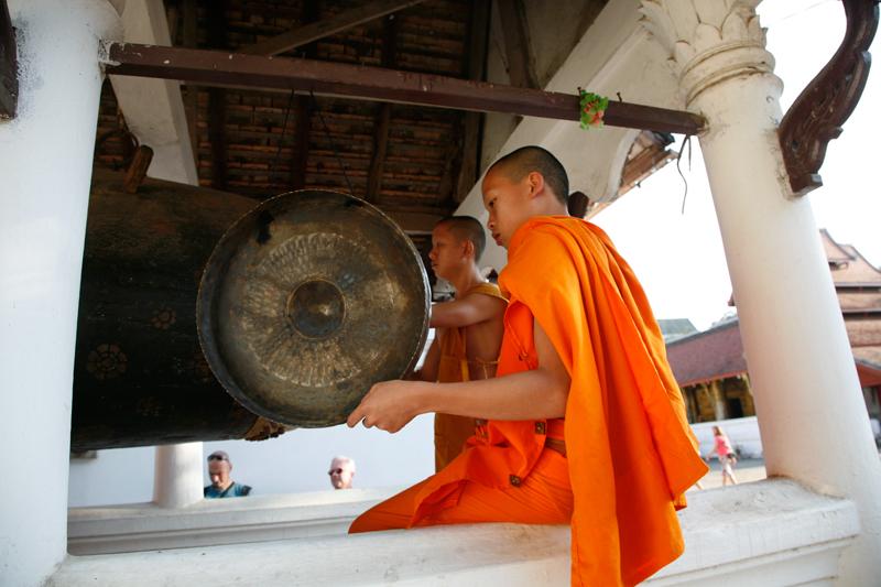 Mais la ferveur des moines est partout