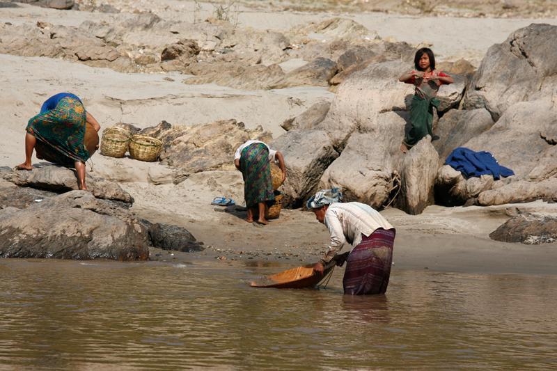 Pour quelques pépites d'or : Mékong non loin de la frontière thaï