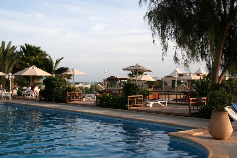 La piscine centrale du Morabeza Hoteli