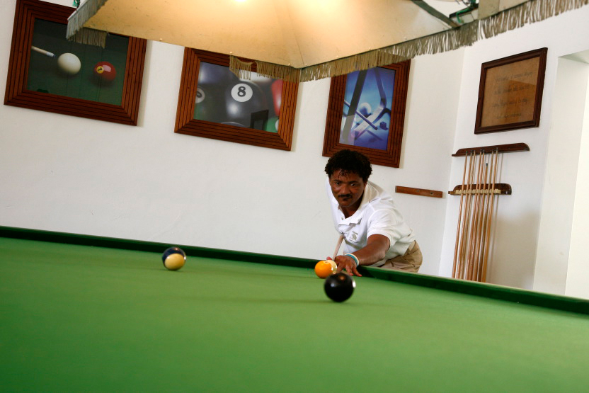 Partie de snooker au Morabeza